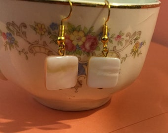 Peach Pearly Shell Earrings