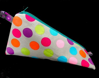 Triangular pencil * Colorful dots * l storage bag