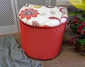 Beautiful Lloyd Loom storage box - Please see full description for shipping fees