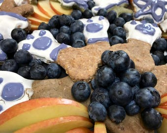 Gourmet Dog Treats: Blueberry, Apple and Peanut Butter with Yogurt Icing