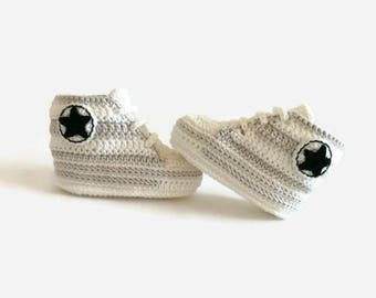 Crochet shoes for newborn, Beige and gray, Knitted shoes for girls and boys, Gift personalised, Unique baby gift, Shower gift girl and boy