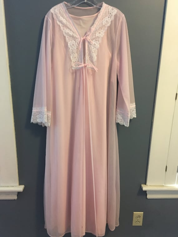 Pink 1960's Peignoir and Robe Set