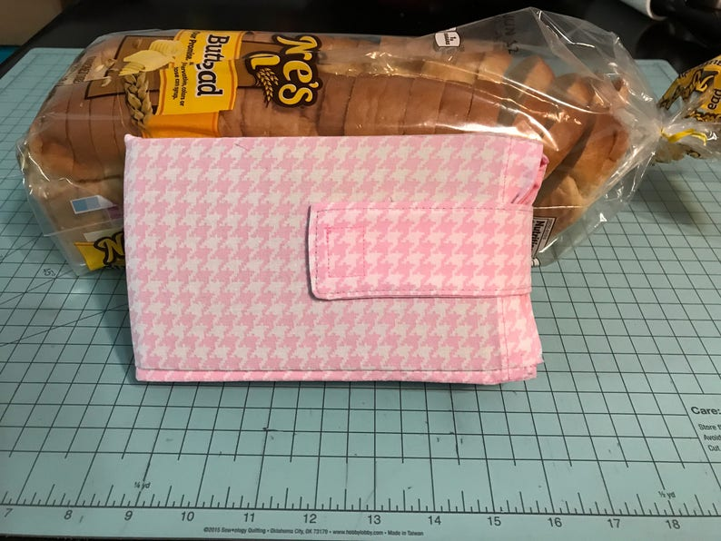 Bread Buddy Bread Saver Bread Protector Pink Houndstooth image 0