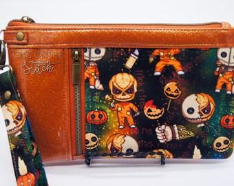 Trick R Treat Zippy Clutch / Halloween Sam / Wristlet Purse / Clutch Purse / Travel Purse / Large Wallet / Burlap / Halloween Kid