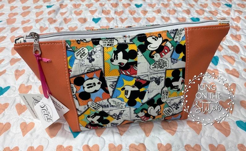 Mickey Comic Print Peek A Boo Makeup Bag / Faux Leather Makeup image 0