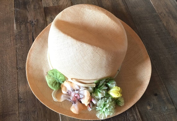 Vintage hat,straw hat,summer fashion,retro style,s