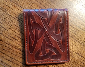 bi-fold leather wallet with 4 pockets