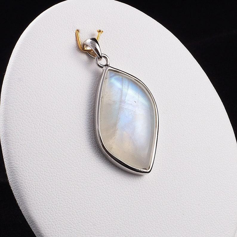 Bezel Pendant Jewelry Blue Flash Rainbow Moonstone Silver Pendant Moonstone pendant~ Blue Flash Moonstone