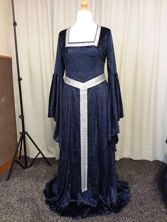 Plus size medieval dress renaissance dress with girdle belt | Etsy