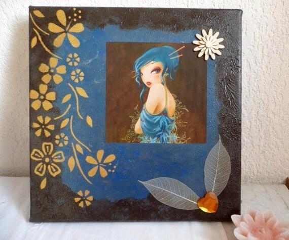 Carta Parati Classica Toile Elegance: Toile Miss Elégance Sur Fond Bleu Outremer