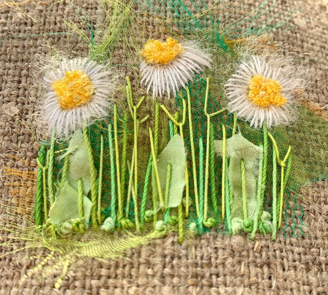 Daisy Creative Embroidery Kit image 0