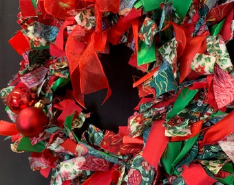 Christmas Fabric Tied Wreath Kit - This Festive craft kit is available in five colour ways and two sizes
