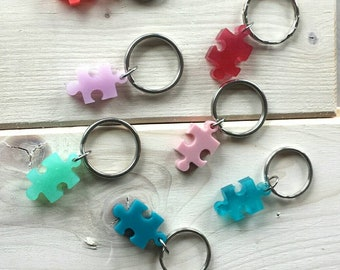 Petit porte-clés casse-tête autisme , couleurs variées