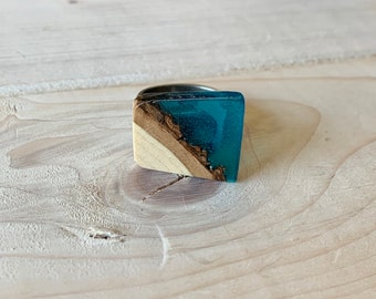 Wood and resin adjustable tin ring