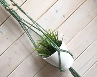 Longue Jardinière suspendue, 3 branches, corde délicate,  perles de bois choix de couleurs jardinière en macramé, suspension pour plante