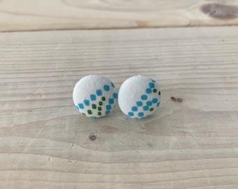Boucles d'oreilles en tissus recyclé, clous d'oreilles fleurs colorés, puces d'oreilles boutons tissus pins d'oreilles en tissus