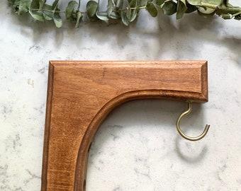 Crochet en bois pour jardinière, équerre en bois pour suspendre jardinière ou plante. Support en bois pour jardinière.