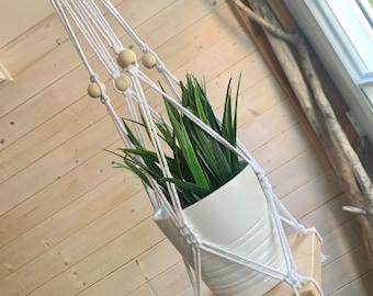 Jardinière bois et corde à 4 sections de cordes avec petite tablette en bois et insertion de perles en bois, jardinière