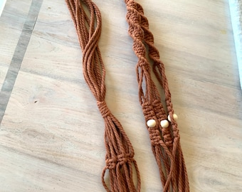 Longue jardinière en macramé corde très épaisse 4-5 mm , solide. Support à plante suspendu en macramé, jardinière longue en macramé
