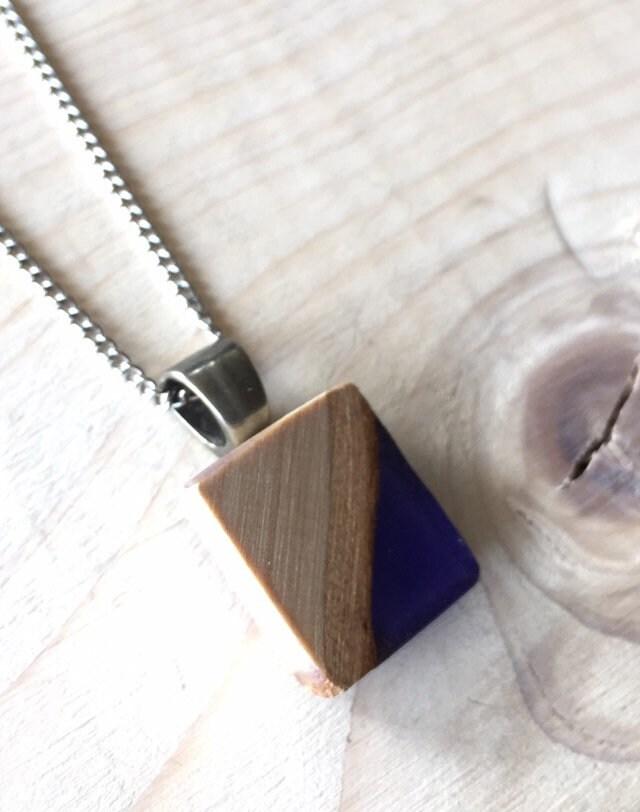 grande sélection économies fantastiques style unique Collier bois et résine bleue indigo, bijoux en bois, collier ...