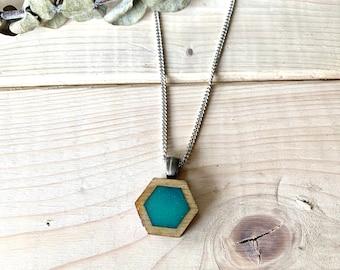 Bijou en résine et bois, collier turquoise, collier bois et résine, bijou en bois, inspiration nature, cadeau original