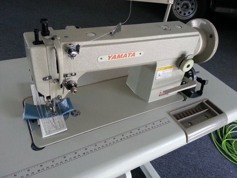 Yamata FY5318 walking foot lockstitch sewing machine upholstery leather,vinyl+Servo Motor+lamp+Table.Assembly required.DIY