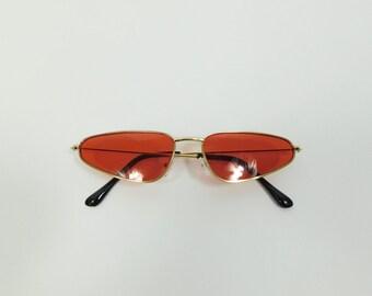 50e689dd1c522d 50% zomer verkoop Vintage rood goud Cat Eye driehoek mode hippie zonnebrillen  frame lens Classic standaard transparante bril sunnies