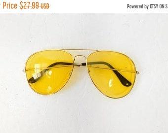 e1ac11ddbec 50% SUMMER SALE Vintage 1970s 70s Classic Standard Yellow Gold Transparent  Fashion Big Aviator Sunglasses Frame Lens Glasses Eyewear