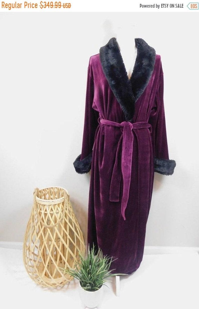 50/% OFF SPRING SALE Vintage Parisian Intimates Purple Velvet Faux Fur Black Collar Plush Luxurious Wedding Long Sleeve Housecoat Robe Medium