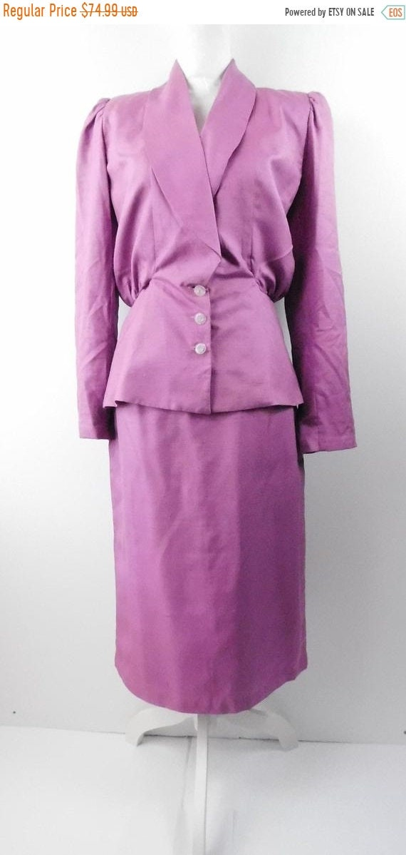 30% OFF HOLIDAY SALE Vintage 90s Magenta Purple Metallic Fitted Clear Button Down Puff Shoulder Blazer Coat Midi Skirt Suit Outfit Sz Medium