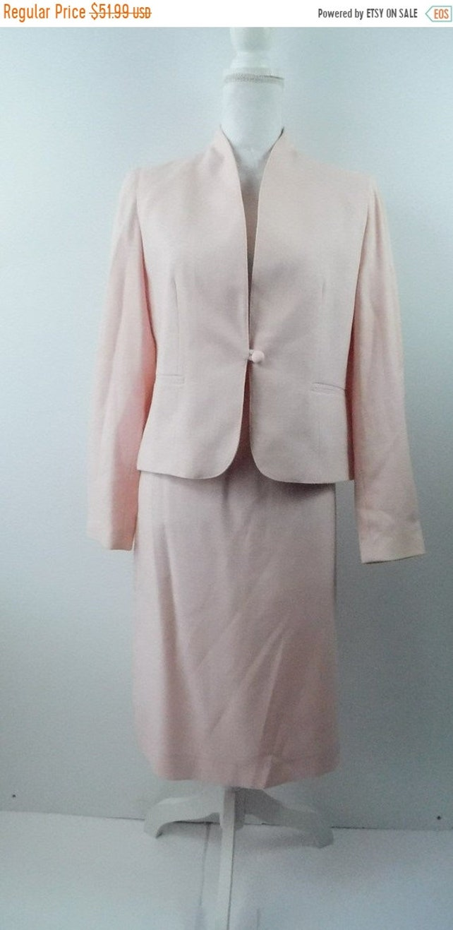 30% OFF HOLIDAY SALE Vintage 90s Pastel Pink One Button Long Sleeve Pencil Knee Length High Waist Lined Skirt Blazer Suit Coat 13/14 Large