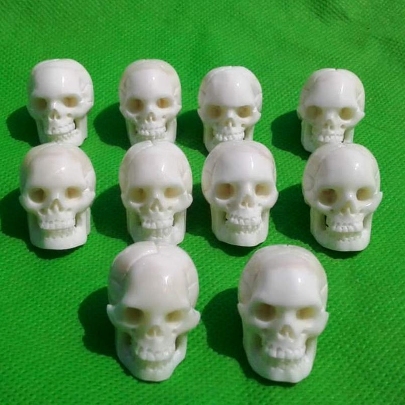 Adjustable Hand Carved Head Skull Natural Buffalo Bone Carving Necklace Pendant