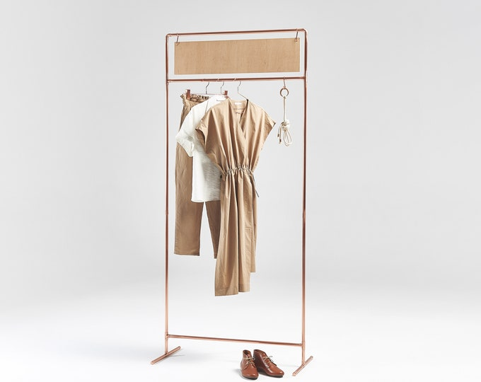 Copper clothes rail CR-08 with custom sign board for trade shows and clothing brand display