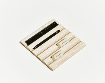 Wooden pens and pencils holder, display stand, desk organizer