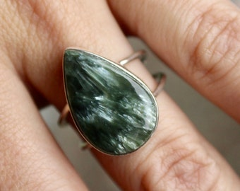 Seraphinite Ring, Sterling Silver Seraphinite Ring, 925, Divine Light, Russian Seraphinite, Wings, Green Stone Ring, Healing Stone, Size 8.5