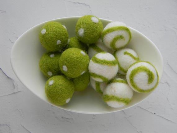 10 bolas de fieltro de Remolino//Polka Dots 2.5cm 100/% Lana Fieltro Bolas Naranja