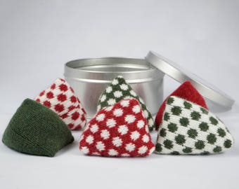 Red and Green Spotty Pattern Weights