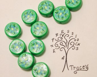 Green White Design Polymer Clay Disc Beads