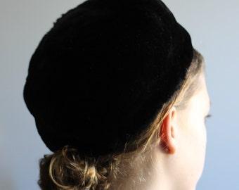 f39c70ab67671 Faux Fur Pillbox Hat -- Claire New York 1950s