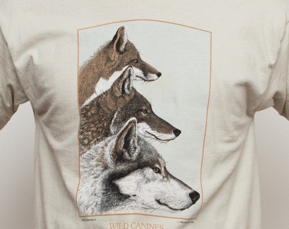 90's Graphic Tee - Vintage Men's Wolf T-Shirt - Beige Colored Large Size Wild Canines and Bears of The World Shirt with Sloth, Red Fox