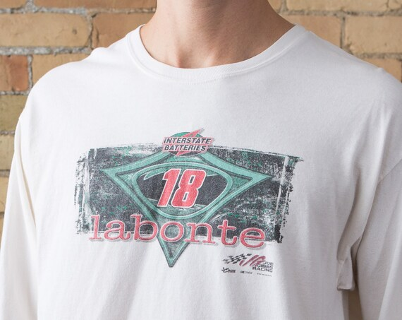 2005 Labonte 18 Racing shirt with an advert from Interstate Batteries - Men's Medium Size White Sports Tee - Long Sleeved Athletic T-shirt