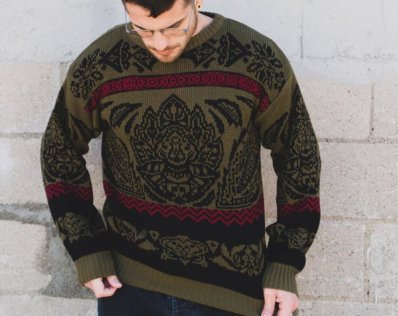 Vintage Green Sweater = Small Mens Ornate DamaskGeometric Pattern Acrylic Pullover
