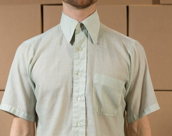 Vintage Soft Green Shirt - Men's Medium Size Button Down Short Sleeve Shirt - Lightweight Summer Shirt with Pocket