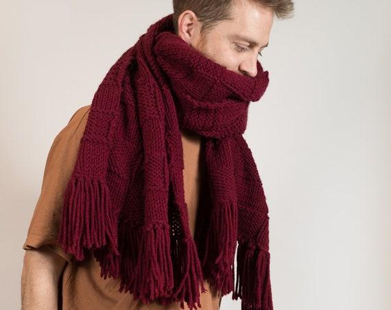 VIntage Knit Scarf - Large Hand-Knit Shawl with Fringe - Unisex Checkered Canadian Scarf - Streetstyle Fashion Scarf