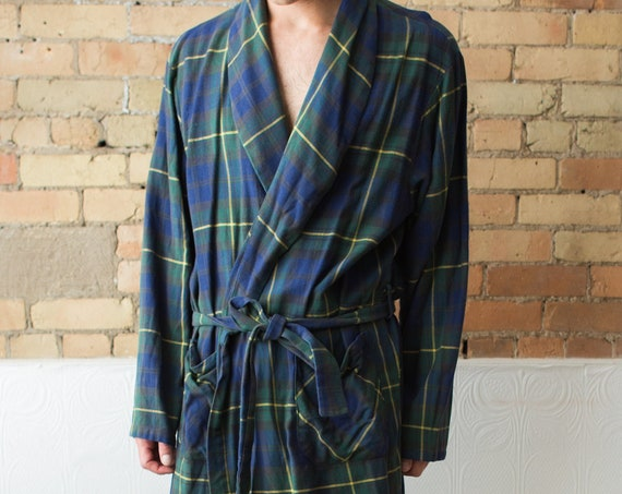 Vintage Men's Robe - Tartan Plaid Polyester Dressing Gown - X-Large Size - Bedroom Attire - Gift for him - Men's Smoking Robe Pyjamas