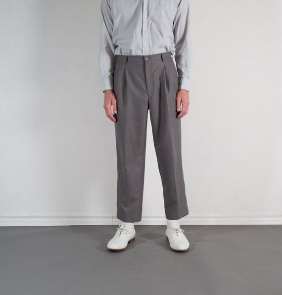 Vintage Mens Grey Trousers - W31 Pleated Dress Pants / Slacks