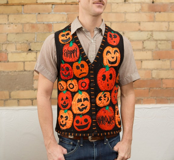 Vintage Halloween  Pumpkin Sweater Vest - Medium Size Button up Grandma Jumper for Him or Her - Gift for Father or Mother - Trick or Treat