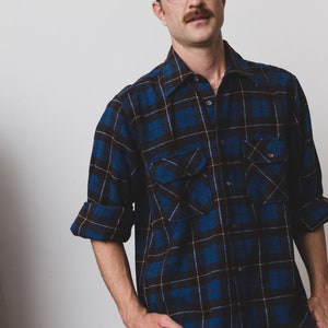 Vintage Men/'s Flannel Shirt Small Arrow Plaid Shirt Checkered Outdoor Lumberjack Shirt Button up Burgundy Red and Grey Camper