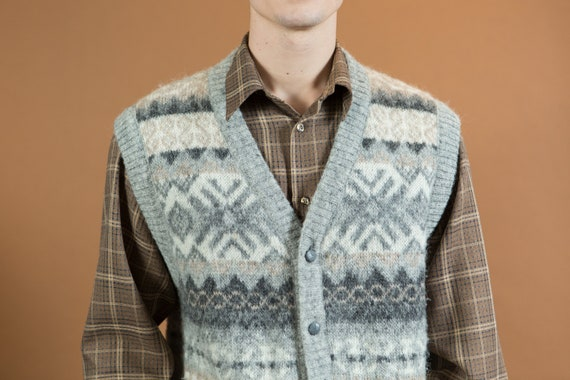 Vintage Sweater Vest - - Icelandic Knit - Geometric Knit Large Size Wool Blend Button up Vest for Him - Freyja Scandinavian Iceland Fashion