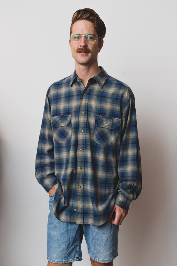 Vintage Men's Flannel Shirt - Large Northwest Territories Acrylic Plaid Shirt - Checkered Outdoor Lumberjack Shirt - Button up Blue Oxford